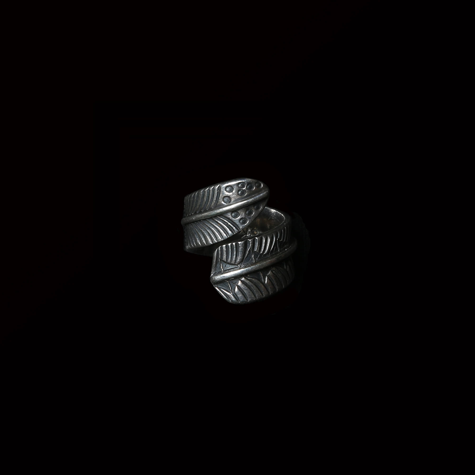 GARY REEVESFEATHER SILVER RING
